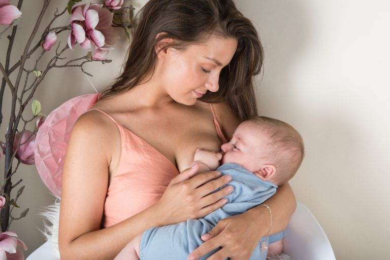 Calmosine Allaitement : une enquête auprès de 60 mères allaitantes souligne son intérêt